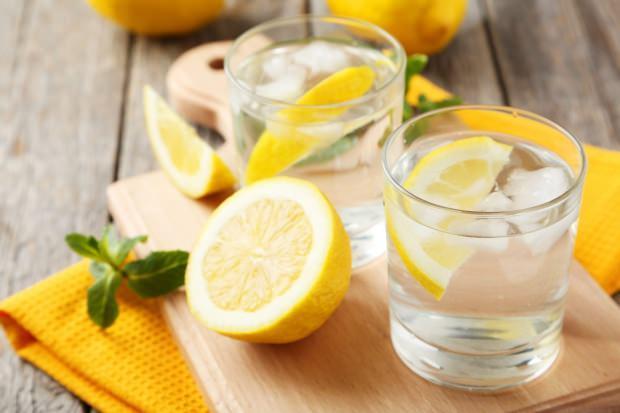 Memurlar.Net - Düzenli olarak limonlu su içersek ne olur?